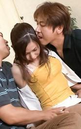 美乳スレンダー稲森千恵ちゃんが、二人の男優に美乳を弄ばれ喘ぎまくり。Wフェラから生ハメ。焼き鳥ファックでイキまくる。