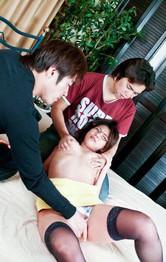 淫乱ティーチャー緒川みずきちゃんは帰国子女。レッスン中にパンティを剥ぎ取られおマンコチェックも、英語でイキまくる!