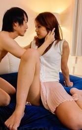 極上スレンダーモデル美咲カレンがマッパで3P生セックス!お口&美マンで肉棒を受け止め、連続ザーメン中出しで膣穴精液タンク!